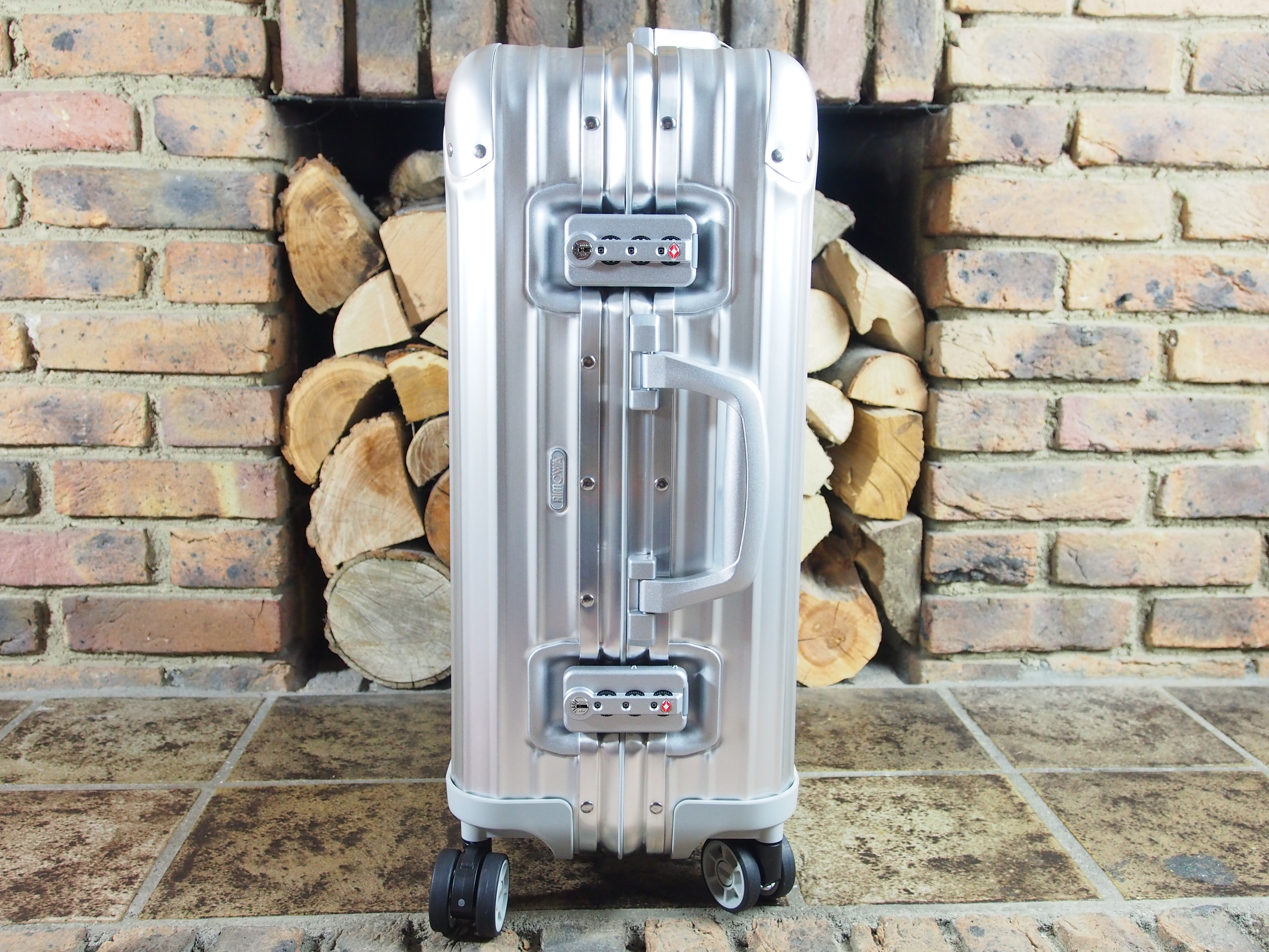 of rimowa airline divided topas multiwheel cabins cabin product image interior international luggage