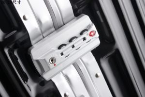 Lock from fake Rimowa