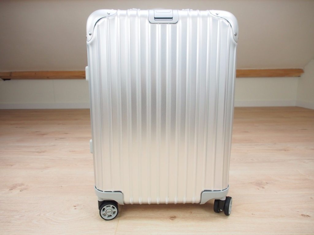 Rimowa facelift differences previous model (pre 2017)